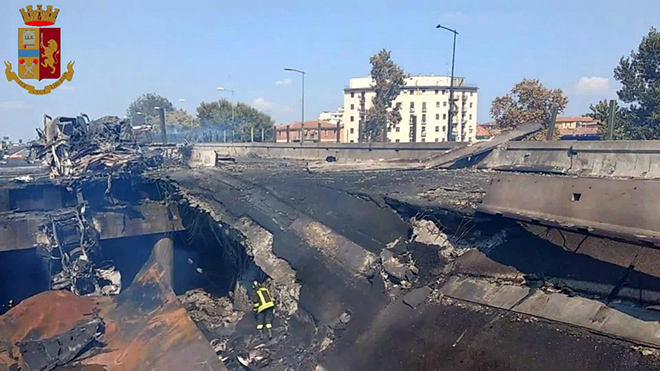 Incendio Bologna: parzialmente crollato ponte A14