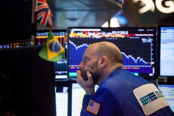 Επιφυλακτικές οι διεθνείς αγορές – Οι φόβοι για το εμπόριο «σκιάζουν» το κλίμα