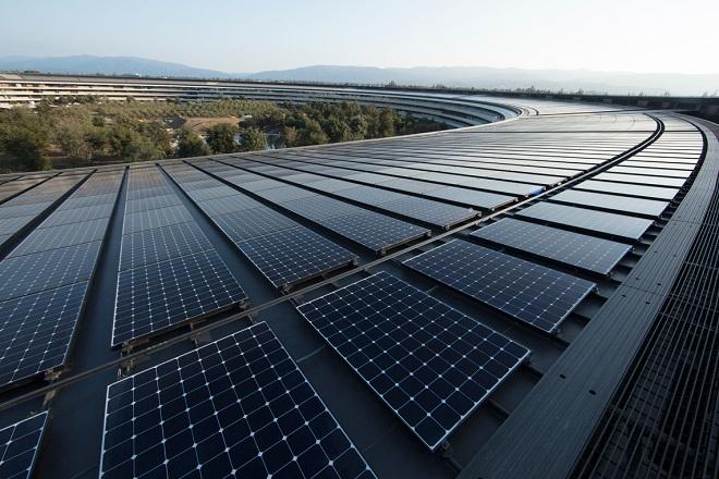 Το νέο σχέδιο της Apple για να υιοθετήσουν περισσότερες εταιρείες τη χρήση ανανεώσιμης ενέργειας