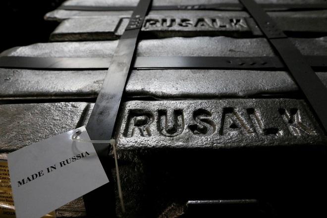 Οι αμερικανικές κυρώσεις «έριξαν» τις πωλήσεις του ρωσικού κολοσσού UC Rusal