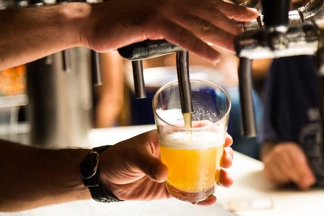 Οι υψηλές θερμοκρασίες του φετινού καλοκαιριού πλήττουν την παραγωγή μπύρας στην Ευρώπη
