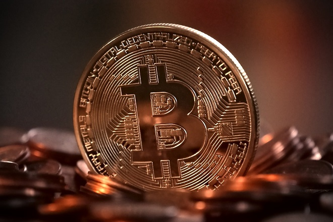 Βουτιά για το Bitcoin μετά την επίθεση Τραμπ στα ψηφιακά νομίσματα
