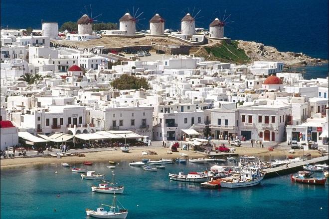 Telegraph: Πού θα πάμε μετά τον κορωνοϊό; Μα φυσικά Ελλάδα!