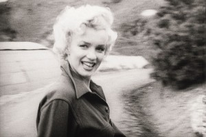 """PAP01 - 20021119 - -, REPUBLIC OF KOREA : A undated b/w handout still from the Pathe newsreel showing Marilyn Monroe. One of the most famous """"newsreel stars"""" taken from her celebrated trip to Korea in the early fifties where she entertained the American troops. Thousands of hours of history and nostalgia will be freely available from today, Tuesday 19  November 2002, with the launch of Pathe's famous cinema newsreels online. The material can be accessed at www.britishpathe.com.     EPA PHOTO    PA/BRITISH PATHE PLC/mjs mda   (UK OUT, NO  MAGS, SALES, ARCHIVES, INTERNET)"""