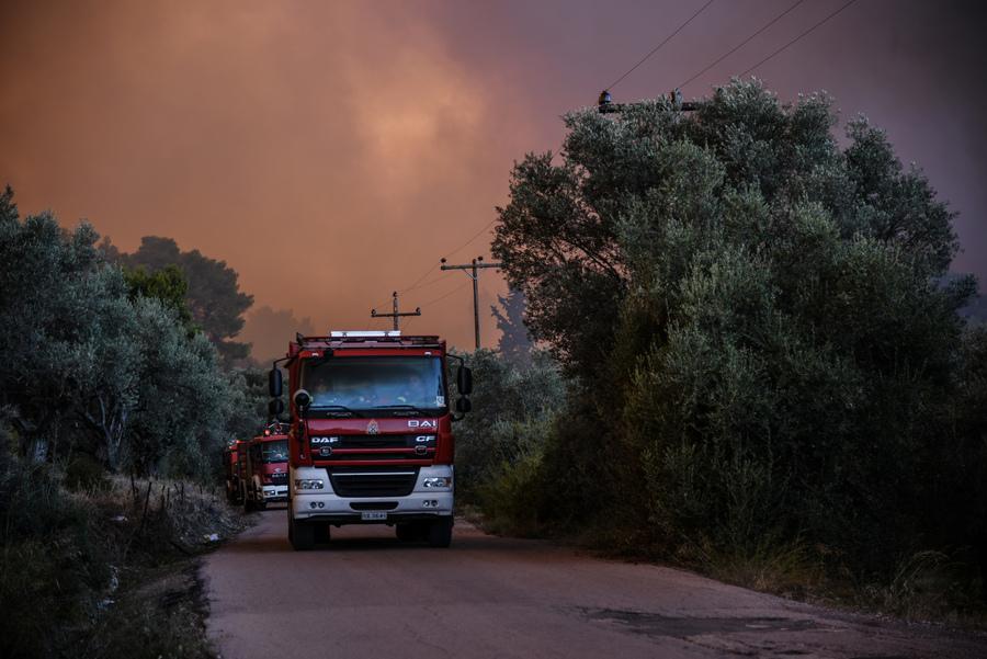 Σε εξέλιξη πυρκαγιά στην Εύβοια – Εκκενώθηκε προληπτικά ο οικισμός Μακρυχωρίου