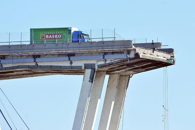 Telegraph: Μεγάλο κατηγορώ των Ιταλών για τη διαφθορά που οδήγησε στην πολύνεκρη κατάρρευση της γέφυρας