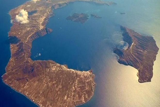 Νέα έρευνα ανατρέπει τη χρονολογία της «μινωικής» έκρηξης του ηφαιστείου της Σαντορίνης