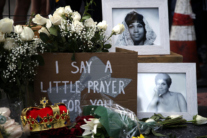 US singer Aretha Franklin's star is adorned with flowers and cards on the  Hollywood Walk of Fame