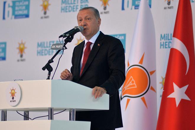 Ερντογάν κατά πάντων μετά τις υποβαθμίσεις των οίκων αξιολόγησης