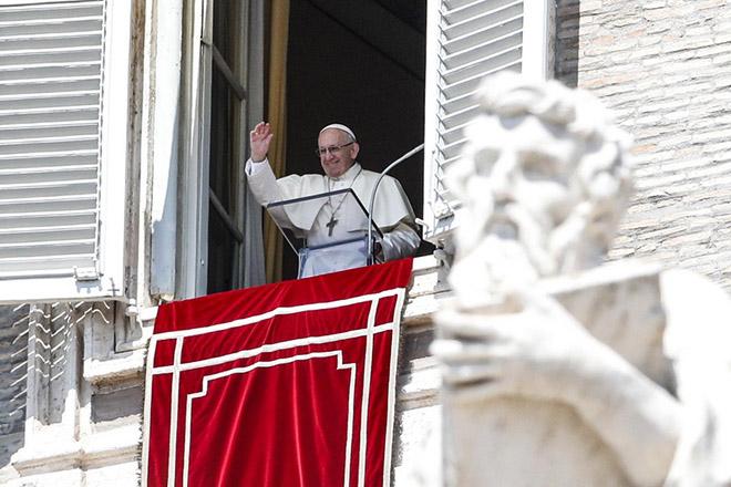 Έκκληση στους Καθολικούς από τον Πάπα Φραγκίσκο για να ξεριζωθεί η κρίση των σεξουαλικών κακοποιήσεων