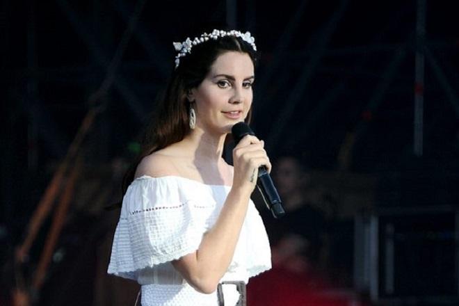 Τι δηλώνει η Λάνα Ντελ Ρέι για την κριτική που δέχτηκε για την εμφάνισή της στο Τελ Αβίβ