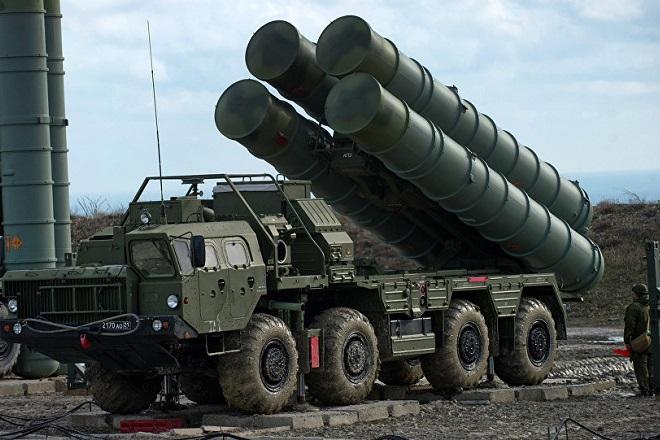 Οι ΗΠΑ προειδοποιούν την Ινδία με κυρώσεις αν αγοράσει τους S-400