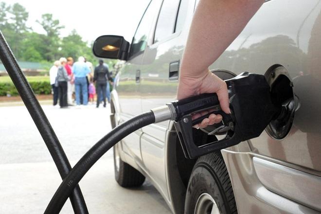 «Φωτιά» η τιμή της βενζίνης μέσα στο Πάσχα