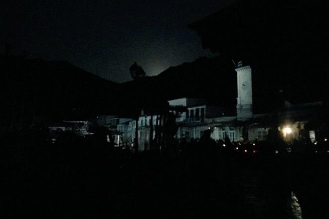 Στο σκοτάδι η Ύδρα: Μήνυση καταθέτει ο Δήμος – Οργή από επαγγελματίες και κατοίκους