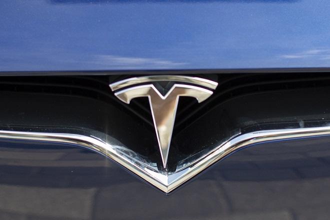 Ρίχνει την τιμή του Model 3 (ξανά) ο Έλον Μασκ