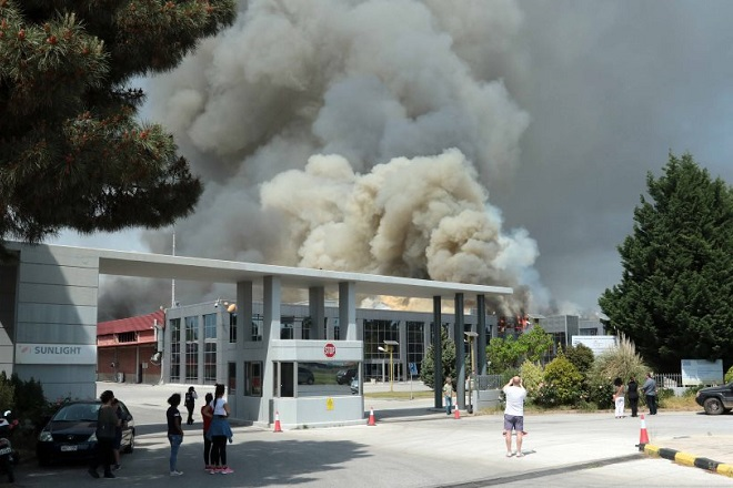 Πυρκαγιά σε εργοστάσιο της Sunlight στη ΒΙΠΕ Κομοτηνής