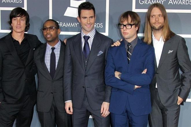 Στο «σφυρί» τα μουσικά όργανα και ο εξοπλισμός των Maroon 5