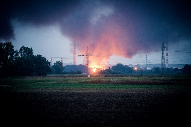 Έκρηξη και πυρκαγιά σε διυλιστήριο στη Γερμανία