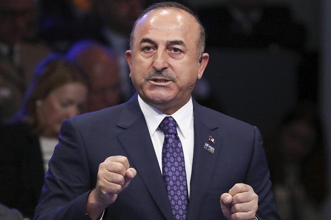 Με αντίποινα σε περίπτωση επιβολής κυρώσεων στην Τουρκία από τις ΗΠΑ απειλεί ο Τσαβούσογλου