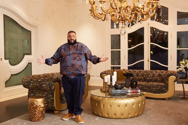 Χρυσά λιοντάρια και θρόνο περιλαμβάνει η σειρά επίπλων του DJ Khaled
