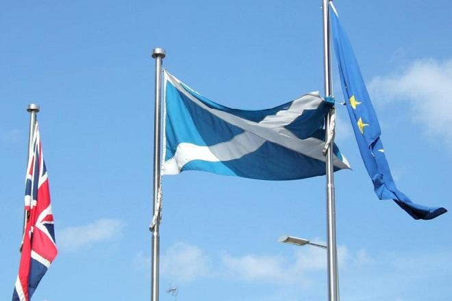 Μακάλιστερ (Ευρωκοινοβούλιο): Η Σκοτία μπορεί να επιστρέψει στην ΕΕ ως ανεξάρτητο κράτος