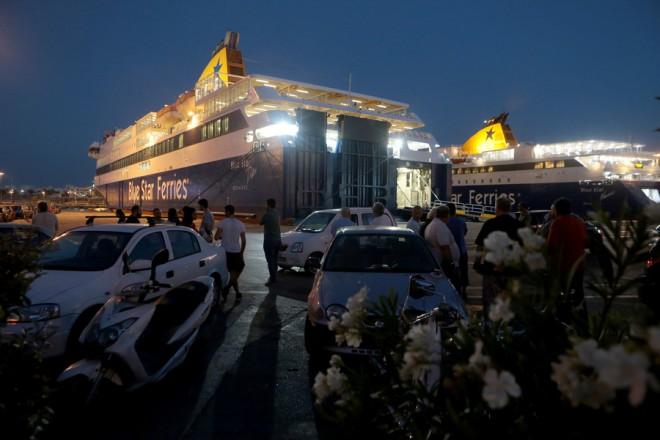 Δεμένα παραμένουν πλοία στο λιμάνι του Πειραιά μέχρι το πρωί της Τρίτης , Δευτέρα 3 Σεπτεμβρίου 2018. Εικοσιτετράωρη απεργία κήρυξε η Πανελλήνια Ναυτική Ομοσπονδία (ΠΝΟ) μετά την αποτυχημένη έκβαση της συλλογικής διαπραγμάτευσης μεταξύ ΠΝΟ και Συνδέσμου Επιχειρήσεων Επιβατηγού Ναυτιλίας (ΣΕΕΝ) για την ανανέωση για το 2018. ΑΠΕ-ΜΠΕ/ΑΠΕ-ΜΠΕ/Παντελής Σαίτας