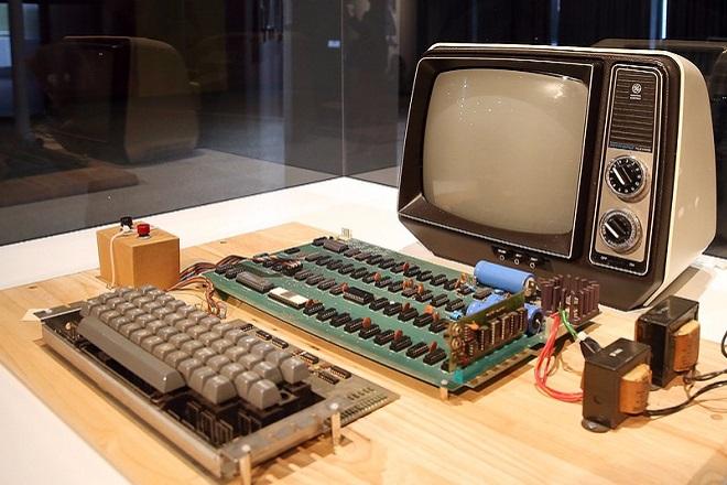 Ένας από τους πρώτους υπολογιστές Apple μπορεί να γίνει δικός σας