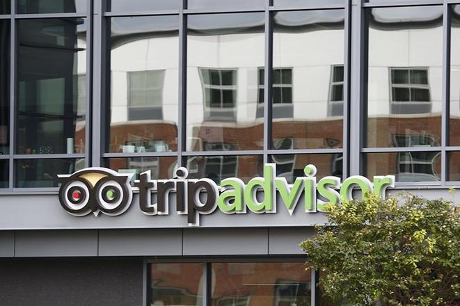 Καταδικάστηκε ιδιοκτήτης υπηρεσίας που πουλούσε ψεύτικες κριτικές για επιχειρήσεις του Tripadvisor