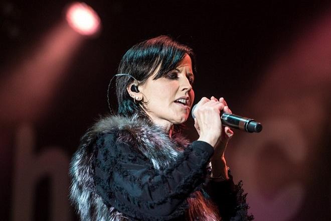 Ντολόρες Ο' Ριόρνταν:  Αυτά είναι τα αίτια θανάτου της τραγουδίστριας των Cranberries