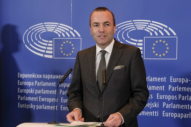 epa06998325 Manfred Weber, the leader of the European People's Party, EPP, in the European Parliament gives a press conference in Brussels, Belgium, 05 September 2018. Manfred Weber, announced he is standing to be the center-right grouping's lead candidate in next year's European election and be the group's candidate for European Commission President.  EPA/OLIVIER HOSLET