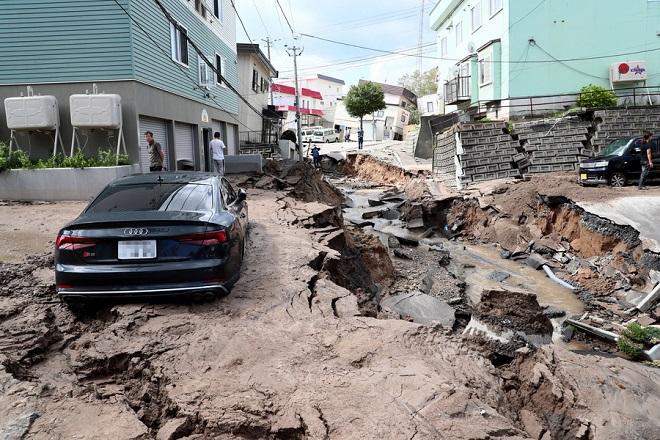 Τουλάχιστον 8 νεκροί από το σεισμό των 6,7 Ρίχτερ στην Ιαπωνία
