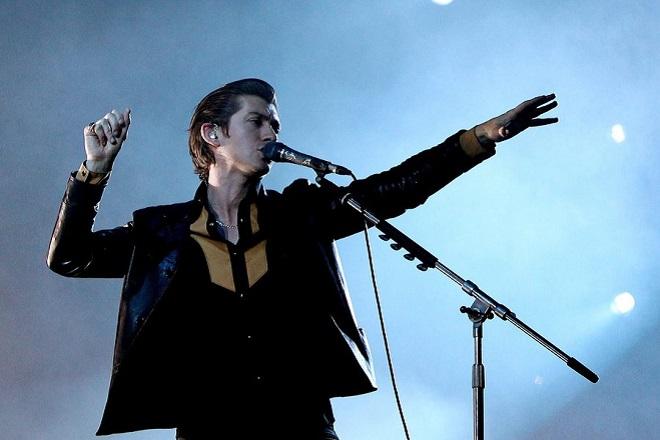 Έκθεση με αδημοσίευτες φωτογραφίες των Arctic Monkeys σε Λονδίνο και Σέφιλντ