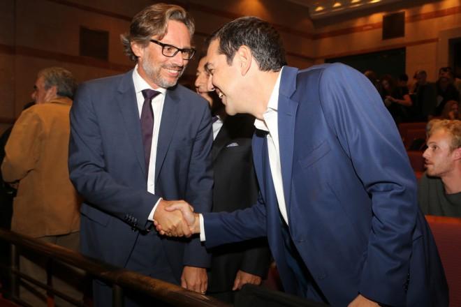 Ο πρωθυπουργός Αλέξης Τσίπρας μαζί με  τον Γερμανό πρέσβη στην Αθήνα, Γενς Πλέτνερ παρακολούθησαν την προβολή του τελευταίου φιλμ του Παντελή Βούλγαρη με τίτλο «Το τελευταίο σημείωμα», Δευτέρα 23 Οκτωβρίου 2017. ΑΠΕ-ΜΠΕ/ΑΠΕ-ΜΠΕ/Παντελής Σαίτας