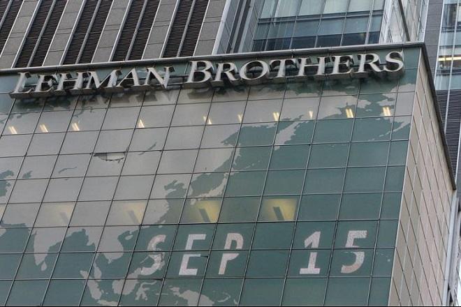 Αδυναμίες και ρίσκα δέκα χρόνια μετά τη Lehman