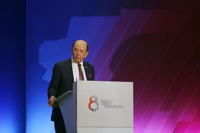 Γουίλμπουρ Ρος: Το επόμενο βήμα για την Ελλάδα να μπει η οικονομία σε πραγματική τροχιά ανάπτυξης