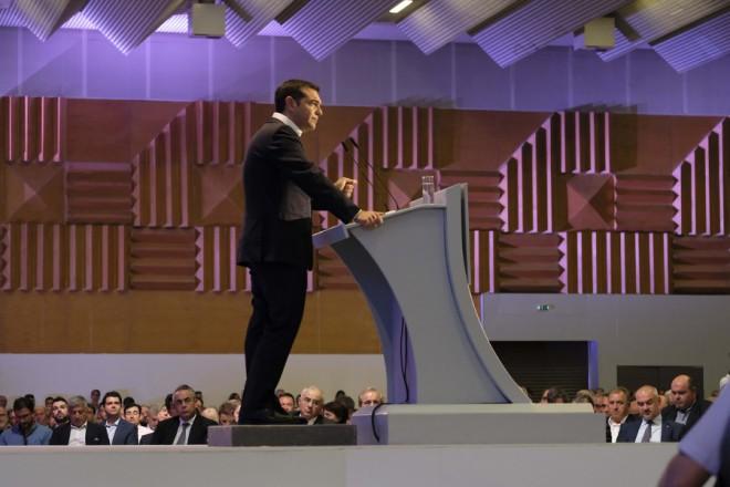 """(Ξένη δημοσίευση) Ο πρωθυπουργός, Αλέξης Τσίπρας (Κ), εκφωνεί ομιλία στα εγκαίνια της 83ης Διεθνούς Έκθεσης Θεσσαλονίκης, στο Συνεδριακό Κέντρο """"Ιωάννης Βελλίδης"""" στη Θεσσαλονίκη, Σάββατο 8 Σεπτεμβρίου 2018. ΑΠΕ-ΜΠΕ/ ΓΡΑΦΕΙΟ ΤΥΠΟΥ ΠΡΩΘΥΠΟΥΡΓΟΥ/ Andrea Bonetti"""