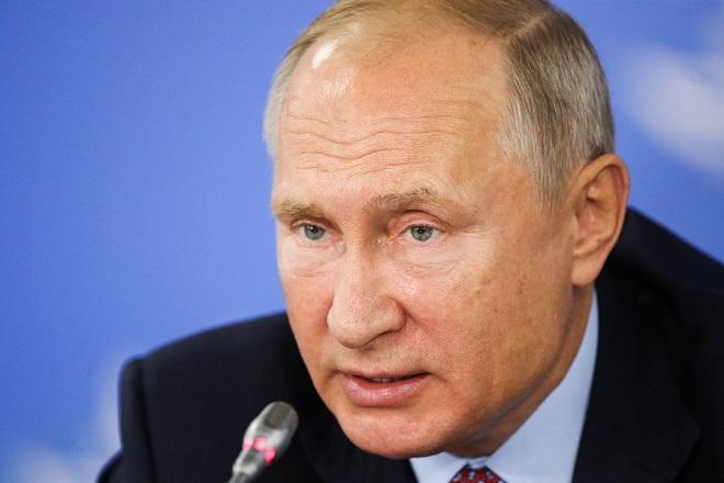 Bild: Τι αποκαλύπτει η ταυτότητα του Πούτιν από τα αρχεία της Στάζι