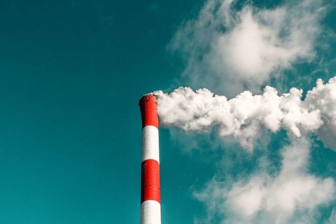 Γιούνκερ: Οι χώρες της ΕΕ να τηρήσουν πρώτα τους στόχους που έχουν τεθεί για το κλίμα με ορίζοντα το 2030