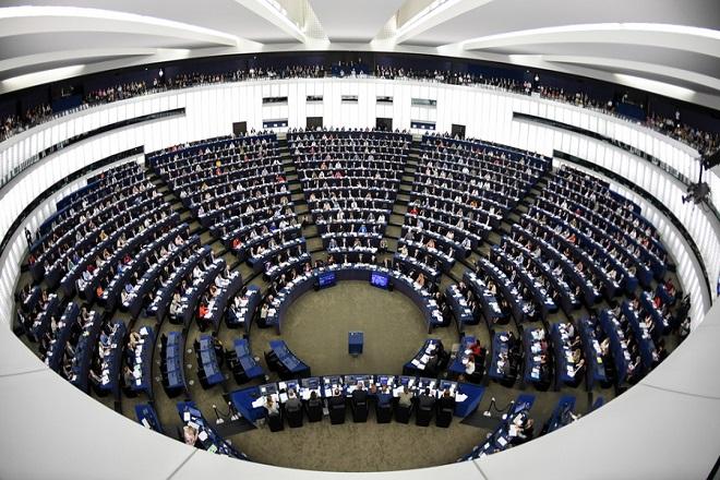 Πρωτιά για την κεντροδεξιά και μεγάλη άνοδο των ακροδεξιών δείχνει δημοσκόπηση για τις ευρωεκλογών