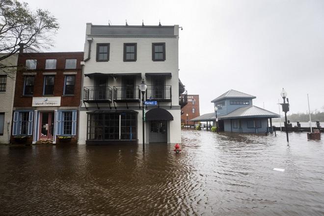 Στους επτά οι νεκροί από τον φονικό κυκλώνα Φλόρενς στις ΗΠΑ