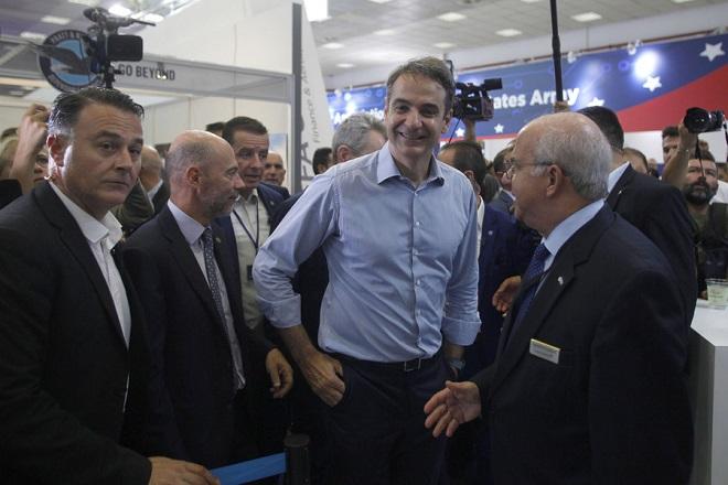 Ο πρόεδρος της Νέας Δημοκρατίας, Κυριάκος Μητσοτάκης (Κ), περιηγήθηκε σε περίπτερα της 83ης Διεθνούς Έκθεσης Θεσσαλονίκης, κατά την επίσκεψή του στη διοργάνωση, Θεσσαλονίκη, Σάββατο 15 Σεπτεμβρίου 2018. ΑΠΕ-ΜΠΕ/ ΑΠΕ-ΜΠΕ/ ΝΙΚΟΣ ΑΡΒΑΝΙΤΙΔΗΣ
