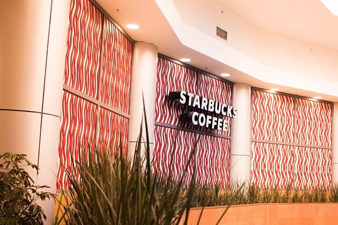Starbucks: Νέο κατάστημα στο Μεξικό όπου θα εργάζονται άτομα μόνο άνω των 55 ετών