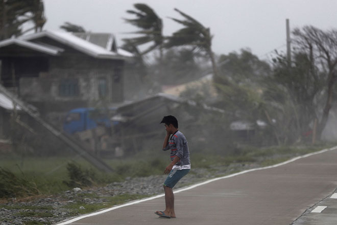 Στους 30 ο τραγικός απολογισμός από το πέρασμα του υπερτυφώνα Μανγκούτ στις Φιλιππίνες