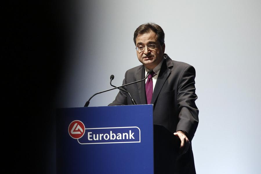 Καραβίας: Η Eurobank θα ξεπεράσει τους στόχους για τη μείωση των «κόκκινων» δανείων