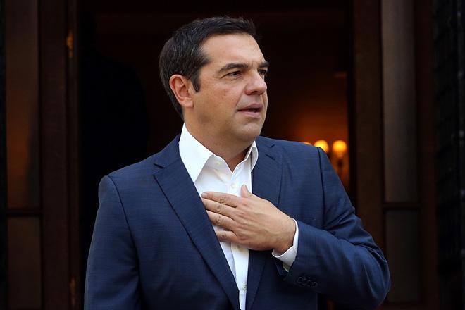 Ο πρωθυπουργός Αλέξης Τσίπρας περιμένει να υποδεχθεί τον Πρόεδρο της Κύπρου Νίκο Αναστασιάδη στη συνάντησή τους στο Μέγαρο Μαξίμου, Αθήνα Δευτέρα 17 Σεπτεμβρίου 2018. Ο Πρόεδρος της Κύπρου βρίσκεται στην Αθήνα σε μονοήμερη επίσκεψη εργασίας.  ΑΠΕ-ΜΠΕ/ΑΠΕ-ΜΠΕ/ΟΡΕΣΤΗΣ ΠΑΝΑΓΙΩΤΟΥ