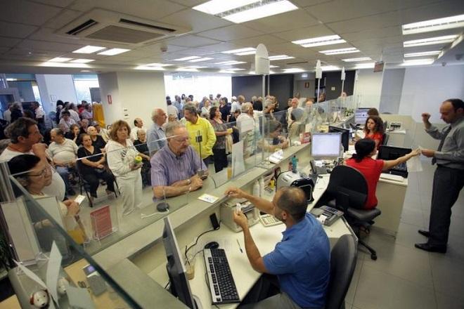 Handelsblatt: Τα προβλήματα που πρέπει να αντιμετωπίσουν άμεσα οι ελληνικές τράπεζες