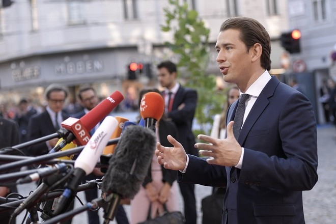 epa07033849 Federal Chancellor of Austria Sebastian Kurz speaks to the media prior to the European Union's (EU) Informal Heads of State Summit in Salzburg, Austria, 20 September 2018. EU countries' leaders meet on 19 and 20 September for a summit to discuss internal security measures, migration and Brexit.  EPA/CHRISTIAN BRUNA