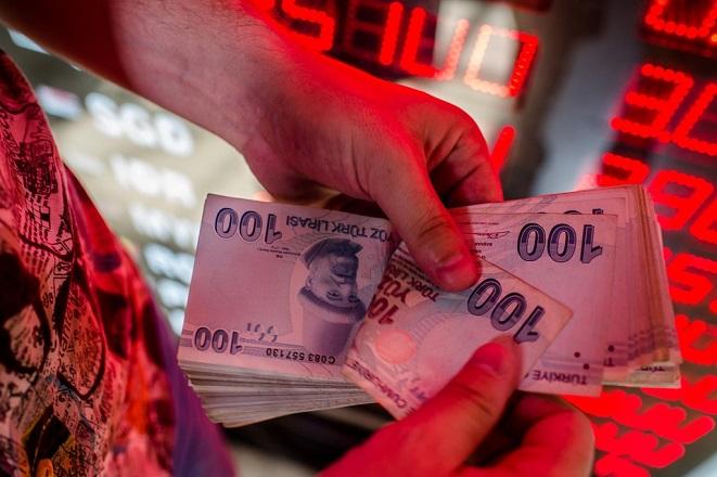 Απώλειες 2,5% για την τουρκική λίρα- Πέμπτη μέρα πτώσης