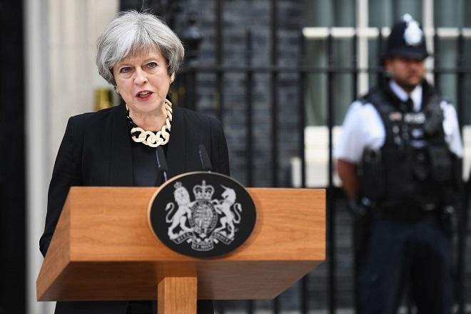 Νέα ημερομηνία αποχώρησης της Βρετανίας από την ΕΕ ζητά η Μέι