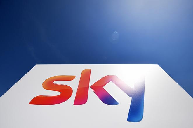 Εκτόξευση για τις μετοχές της Sky μετά την προσφορά – «μαμούθ» της Comcast
